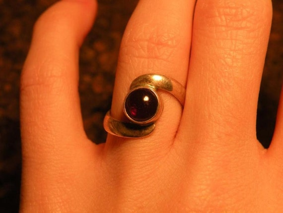 Vintage sterling garnet ring red burgundy 925 silver cab stone rustic unique modern modernist simplistic simple