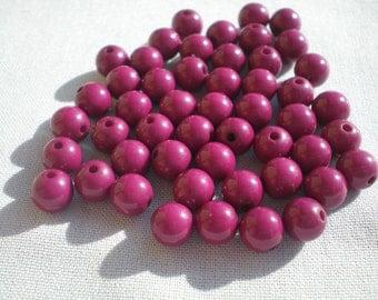 Magenta round beads