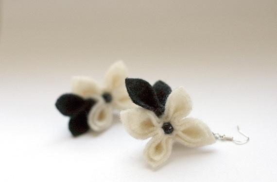 SALE Gorgeous Flower Earrings
