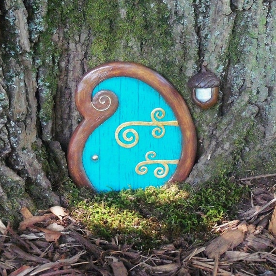 Fairy door curlyque blue fairy garden spring free for Original fairy door