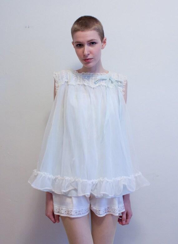 1960s babydoll lingerie / cutesy pajama top / Betty Draper