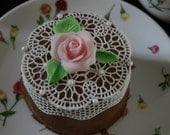 12 Edible Rosettes - Doilies 3 inch