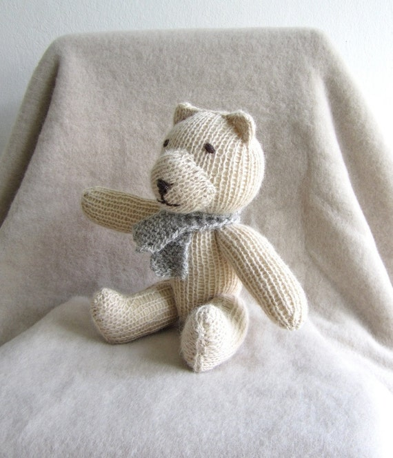 Teddy bear - organic knitted soft cuddly teddy bear