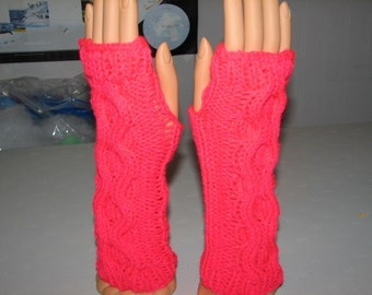 Fingerless gloves with donut cable