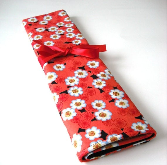 Knitting needle case/ organizer roll up, in tomato red fashionista print.