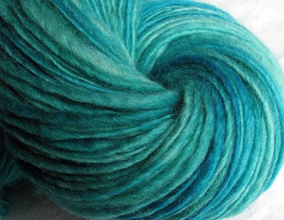 PISCES Handspun Yarn /Superwash Blue Faced Leicester