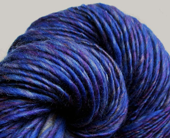 Handspun Yarn Thick and Thin Single Colonial Wool 'Rhapsody in Blue'
