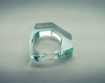 I'M NOT FRAGILE ring