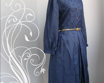 Vintage Navy Blue Lace Eyelet Embroidery Dress Bust 40 Waist 36
