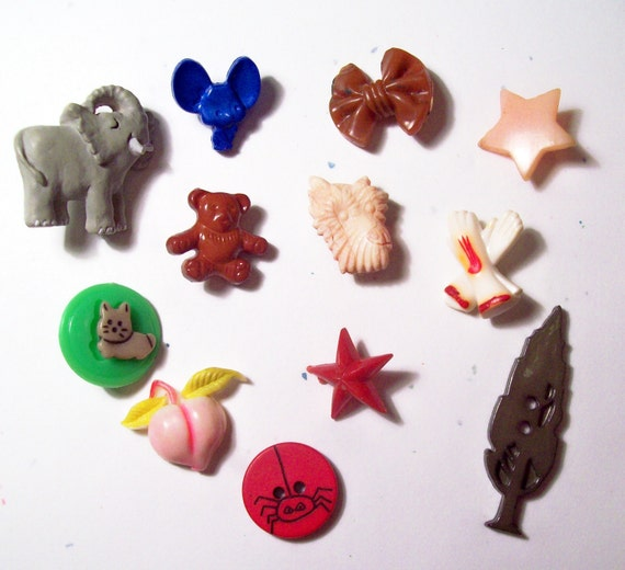 Antique Vintage  Amazing  Realistic Buttons -  12 in lot  (  Look for Topo Gigio ) Bakelite and Celluloid