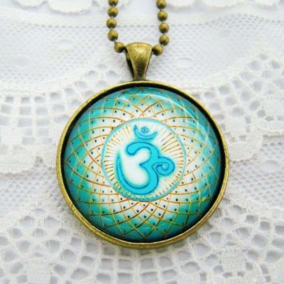 OM Symbol Mandala Necklace, Sacred Sign, Bubble Glass Pendant Necklace, Vintage Style, NEW