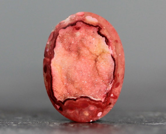 Red Druzy Stone - Pendant and Ring Designing Geode Bezel - 21mm (2427)