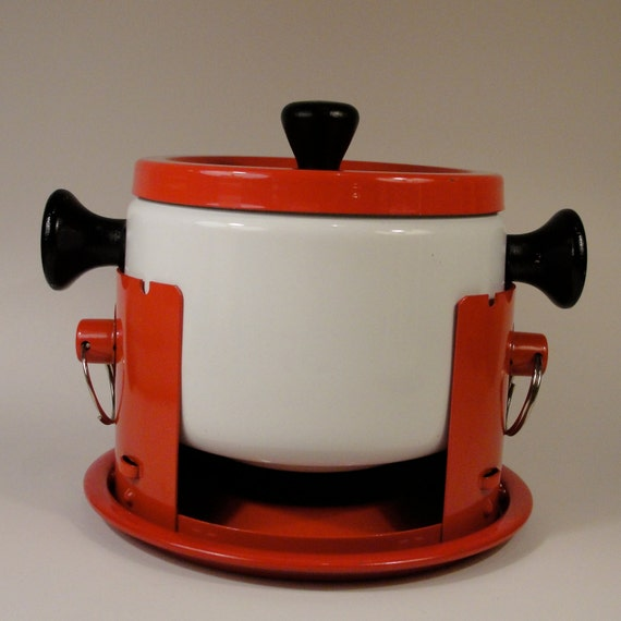 Red and White Modern Fondue Pot