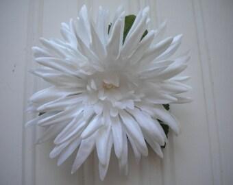 White Dahlia Hair Clip