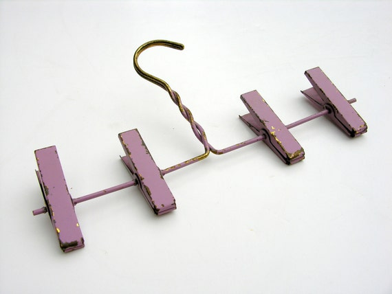 Vintage Clothespin Clip Hanger Lavender Purple Photo Display Linens Stockings Doll Clothes