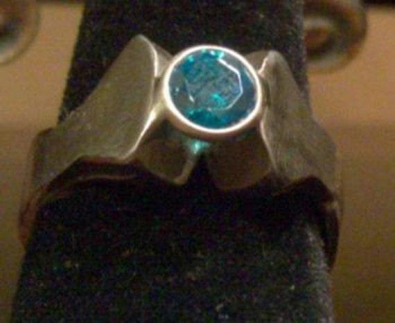 Horseshoe nail ring with Swarvoski topaz