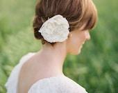 Fay Bridal Flower Clip