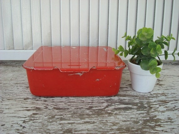 VINTAGE Red Retro Container