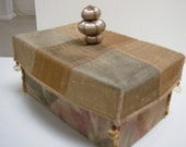 Fabric box with lid