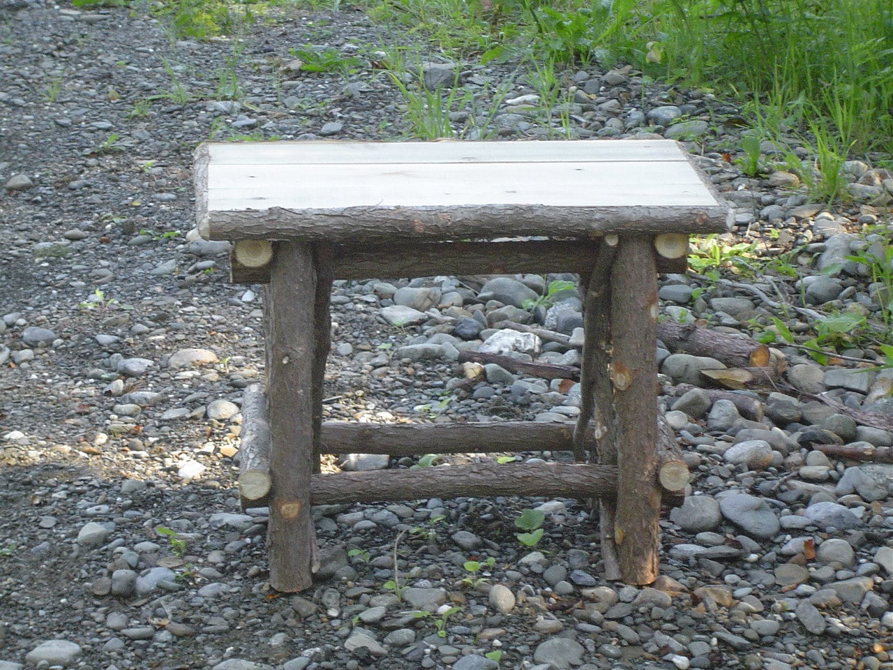 rustic cedar log garden bench maine hand crafted by. Black Bedroom Furniture Sets. Home Design Ideas