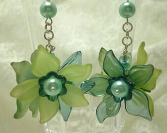 Acrylic Daffodil Flower Earrings Aqua Peridot Green Turquoise Pearls Dangle