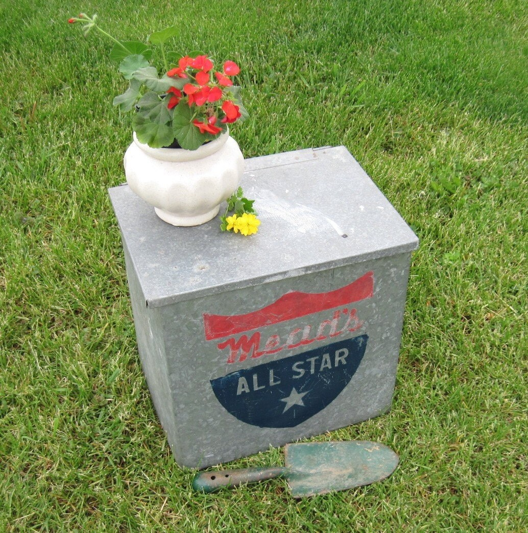 vintage galvanized box meads all star milk box vintage metal. Black Bedroom Furniture Sets. Home Design Ideas