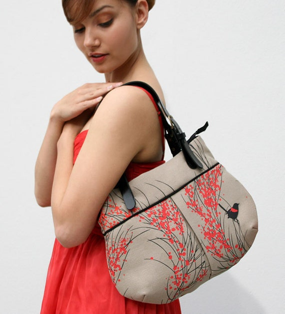 Pleat Bag 'Red-backed Wren & Wattle'