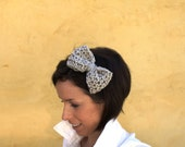 Crochet Bow Headband in Oatmeal