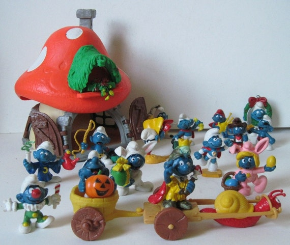 vintage lot of RARE Smurfs and the Smurf House