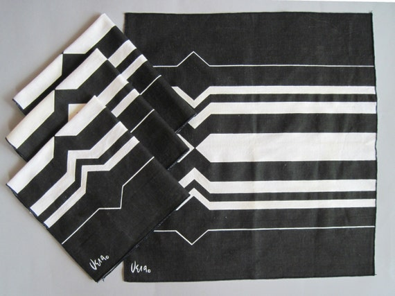 4 Early 60s Mod Vera Napkins, vintage kitchen linens, black and white graphic