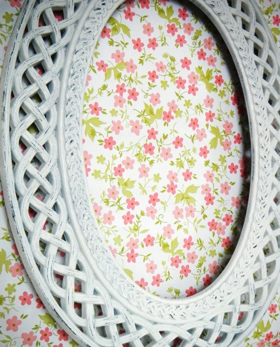 Rustic Chic Oval Picture Frame. Large Antique White Frame. Shabby Chic Frames