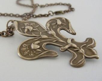 Vintage Necklace - Art Nouveau Necklace - Fleur De Lis Necklace - Vintage Brass Jewelry - handmade jewelry