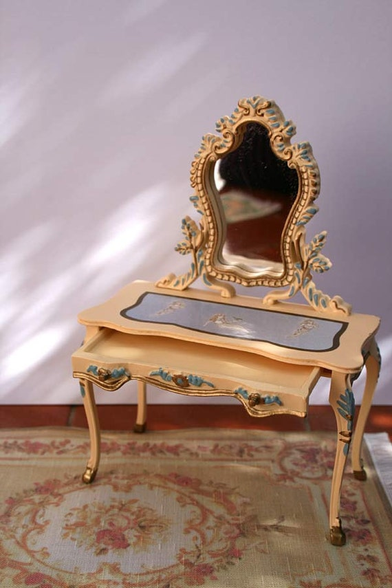 1:12 Dollhouse Miniature Beige and blue chest in the Victorian style with a mirror French Style
