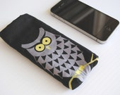 Sleeve iPhone/iPod Touch- Owl by Myself Fabric with Black Flannel Interior