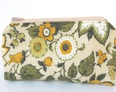Anything Goes Pouch- Vintage Floral Fabric with Zipper