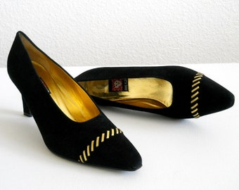 vintage 1980s Anne Klein black suede pumps *** PRICE REDUCED ***