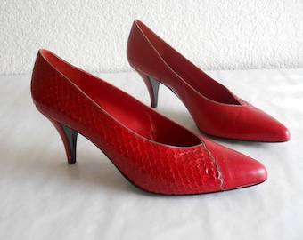 vintage Anne Klein shoes, red reptile *** PRICE REDUCED***