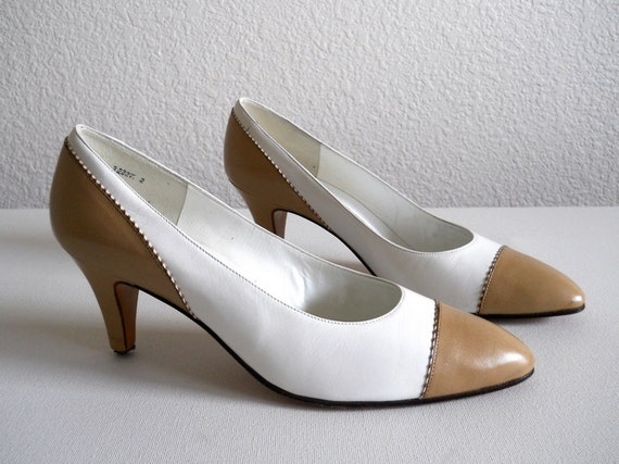 vintage 1980s Ryane tan and white leather pumps, camel