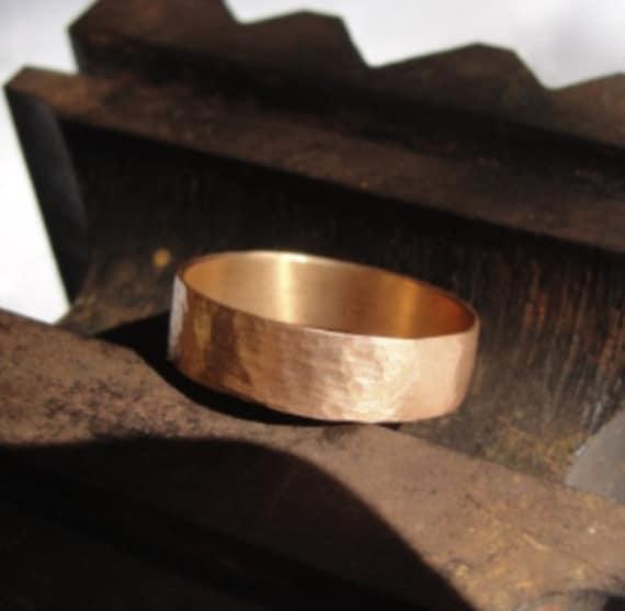 Red Gold Wedding Band - Gold Wedding Band - Hammered Wedding Band - Texture Wedding Band - Wedding Ring - Unisex Wedding Ring
