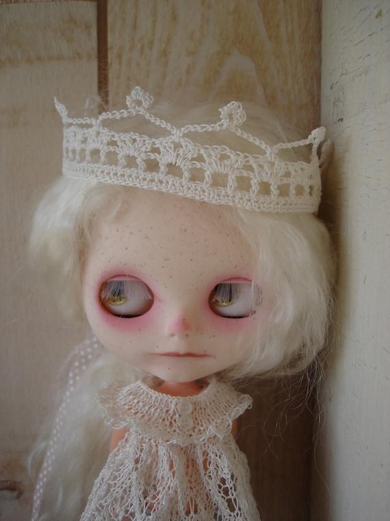 crown for blythe