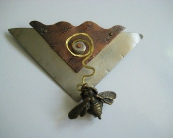 Vintage Pin Brooch Copper and Aluminum with Bee