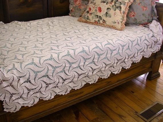 Vintage Crochet Bedspread or Tablecloth