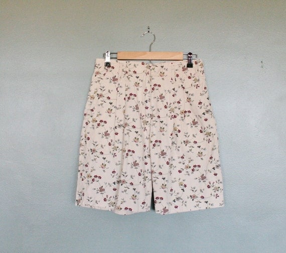 Vintage FLORAL High Waist Shorts - Women Medium