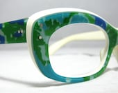 Vintage 60s Cat Eye Glasses. Mother Earth Glasses.