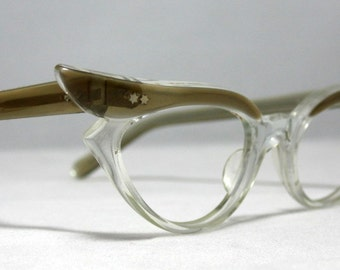 Vintage Eyelgasses. 60s Winged Cat Eye Glasses Taupe/Gold and Clear