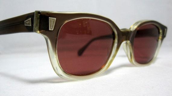 Vintage Sunglasses Mens Brown Fade Horn Rim Glasses.