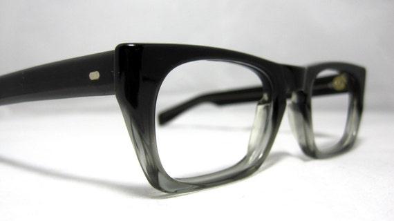 Vintage EyeGlasses Frames Mens Gray Fade Horn Rim Glasses.