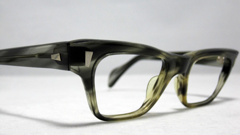 Vintage EyeGlasses Frames Mens Horn Rim Thick Bold Glasses