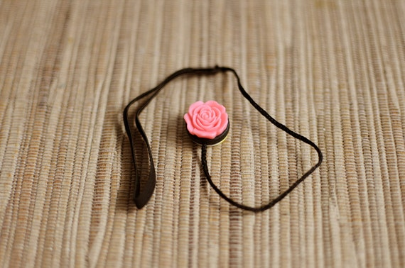 Vintage Pink Flower Lens Cap Keeper Strap for Cameras