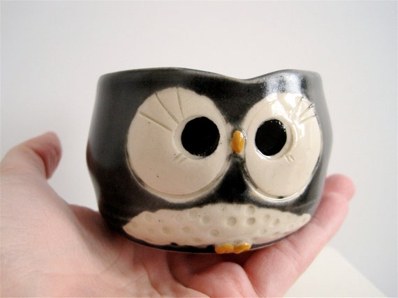 Hooter owl mug (Montey) in Handsome Charcoal Gray